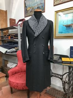 Sartoria Tofani — Tofani Napili - Overcoat with Astrakan collar ❄️ Sharp Dressed Man, Well Dressed Men, Coat Dress, Men Dress, Man's Overcoat, Fashion In, Fashion Coat, Fashion Styles, Style Masculin