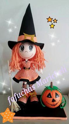 Fofucha brujita Halloween Doll, Halloween Ornaments, Witch Dolls, Clothespin Dolls, Fairy Dolls, Barbie, Creative, Anime, Crafts