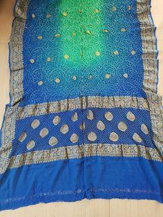 Bandhani Saree, Saris, Quilts, Blanket, Crochet, Sarees, Quilt Sets, Saree, Ganchillo