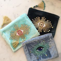 Diy Bead Embroidery, Embroidery Bags, Embroidery Fashion, Mint Bag, Diy Pillow Covers, Sewing Art, Bijoux Diy, Beaded Bags, Fabric Bags