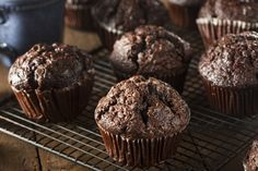 Homemade Dark Chocolate Muffins to Eat at Breakfast Recommended by Carrie, delish and low calorie. Add of cocoa powder and some chocolate chips on top Choc Chip Muffins Recipe, Chocolate Protein Muffins, Banana Protein Muffins, Homemade Muffins, Chocolate Nutrition, Chocolate Protein Powder, Healthy Muffins, Vegan Muffins, Chocolate Cupcakes