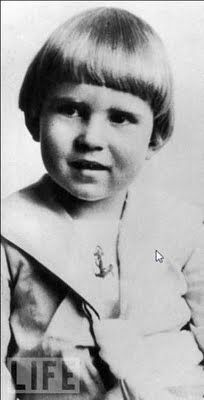Richard Millhouse Nixon, 4 Years Old, 1917 Presidents Wives, American Presidents, American History, Presidential History, Presidential Trivia, Young Celebrities, Celebs, Childhood Photos, Celebrity Kids
