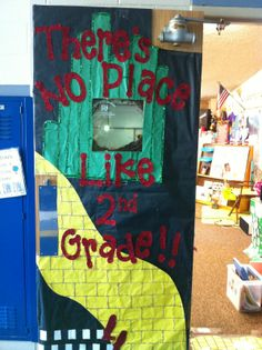 wizard of oz classroom door - Love this really wish I had a second grade classroom!