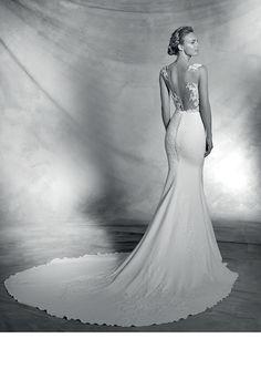 Discover the new Pronovias 2016 Bridal Catalog. | Pronovias