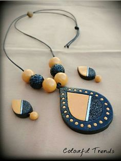 Terracotta Jewellery Making, Terracotta Jewellery Designs, Polymer Clay Necklace, Polymer Clay Pendant, Teracotta Jewellery, Leather Jewelry Making, Jewelry Making Classes, Handmade Jewelry Designs, Jewelry Crafts