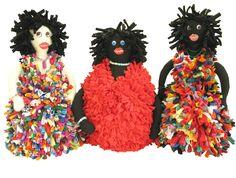 Boneca Maricota feita com refugos de malha e lycra.Produzido pela Reciclanto.