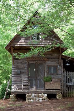 Lately I've been dreaming of a rustic little cabin hidden in the woods. Old Cabins, Cabins And Cottages, Cabins In The Woods, Rustic Cabins, Tiny Cabins, Rustic Cottage, Little Cabin, Little Houses, Abandoned Houses