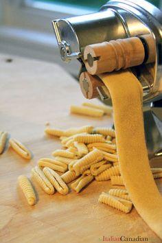 Homemade Cavatelli with Roasted Tomato Pesto for World Pasta Day Homemade Pasta, Spaetzle Recipe, Pasta Recipes, Cooking Recipes, Ramen, Potato Pasta, Homemade Bubbles, Homemade Popsicles, Gastronomia