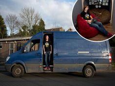 Remaja pilih tinggal dalam van elak bayar sewa rumah  Keadaan van milik Alex.  LONDON - BRITAIN. Bagi menyelesaikan masalah tempat tinggal yang dialaminya seorang lelaki mengambil keputusan untuk tinggal di dalam van.  Alex Hill 24 mendakwa dengan tinggal di dalam van dia dapat menjimatkan wang sehingga 1000 (RM5781) sebulan.  Walaupun van tersebut tidak dilengkapi dengan kemudahan tandas namun Alex akan cuba untuk tidak minum air selepas jam 7.00 malam bagi mengelakkan dia ke tandas pada…
