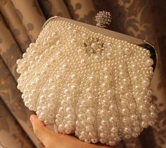 Pearl Rhinestone Bridal Clutch Wedding Purse Formal by Jojoangelly Beaded Purses, Beaded Bags, Vintage Purses, Vintage Handbags, Vintage Hats, Bridal Hair Accessories, Bag Accessories, Wedding Purse, Wedding Bags