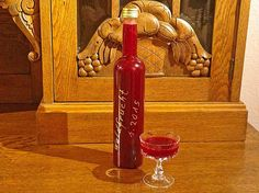 Forest fruit liqueur, a nice recipe from the basic recipes category. Ratings: Average: Ø Best Picture For Fruit Drinks Alcohol Recipes, Beer Recipes, Alcoholic Drinks, Pretzel Desserts, Cocktail Shots, Forest Fruits, Liqueur, Schnapps, Food Categories