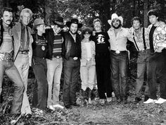 Dickey Betts, Porter Wagoner, Willie Nelson, Bobby Bare, Waylon Jennings, Jessi Colter, Kris Kristofferson, Hank Williams, Jr, Jim Varney, and George Thorogood.