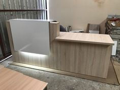 Cash Counter Design, Reception Counter Design, Laundry Shop, Office Table Design, Showroom Interior Design, Decoration, Front Desk, Shank, Reception Halls