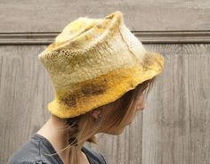 Yellow hat decorated with cotton lace. OOAK van filcAlki op Etsy, $69.00