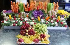 Mermaid Birthday Party Edible coral reef made of fruits and vegetables. Blabla kids @Blabla Kids Harmony Birthday