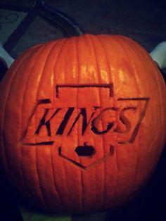 LA Kings pumpkin (Photo by: Twitter fan @Courtney Baker Baker Baker Baker Gale) #HockeyHalloween