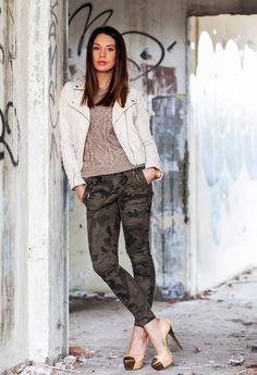 Tendance mode: L'imprime camouflage : Les meilleurs façons de le porter on http://www.befashionlike.net/mode/tendance-mode-imprime-camouflage-les-meilleurs-facons-de-le-porter