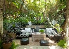 Here are 25 ideas for living large in your small backyard. Here is a collection of modern outdoor living spaces and outdoor home decorating ideas that are inspiring, fresh and beautiful. Outdoor Rooms, Outdoor Gardens, Outdoor Living, Outdoor Furniture Sets, Outdoor Decor, Outdoor Fire, Party Outdoor, Outdoor Showers, White Furniture
