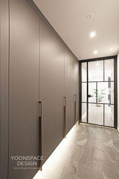 Bedroom Cupboard Designs, Wardrobe Design Bedroom, Bedroom Closet Design, Modern Bedroom Design, Wardrobe Door Designs, Closet Designs, House Extension Design, House Design, Wardrobe Door Handles