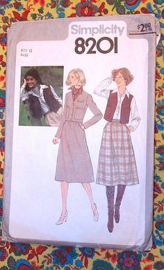 8201 Simplicity Sewing Pattern / 1970's Skirt by CatsMeowJitterbug, $14.00