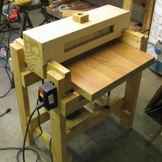 [Pat] is a luthier and general guy that likes to build stuff. In order to get his guitars to come out the best they can, he needed a thickness sander. For those who don't know, thickness sander is a ...