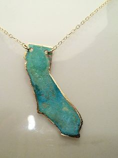choose your state or country necklace. Too cute