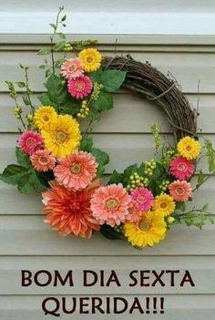 25 Cheery Spring Wreaths - Lydi Out Loud, Beautiful Gerber Daisy Spring Wreath.such a happy looking arrest Gerbera daisy's. Such happy looking flowers. Wreath Crafts, Diy Wreath, Grapevine Wreath, Diy Crafts, Wreath Ideas, Diy Spring Wreath, Spring Crafts, Deco Floral, Arte Floral