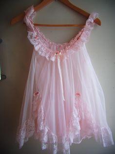 Perfect little babydoll! So pretty in pink. Lingerie Rose, Jolie Lingerie, Pretty Lingerie, Vintage Lingerie, Beautiful Lingerie, Sexy Lingerie, Vintage Underwear, Babydoll Lingerie, Women Lingerie