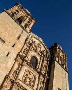 The facade of Oaxaca's most famous church: Santo Domingo. There was always something worth watching going on in the plaza infront. . . . #visitmexico #mexicolove #oaxaca #santodomingo #bbctravel #natgeotravel #mylpguide #lpfanphoto #natgeopro #natgeotravel #natgeoyourshot #natgeo #Travel #TravelBlogger #TravelPhotography #TravelDiary #TravelLife #TravelPics #TravelCouple #travelisthenewclub #travelawesome #worldplaces #bestvacations #forksinthepath #colonial