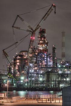 Tokyo, Yokohama Bay industrial zone night scene
