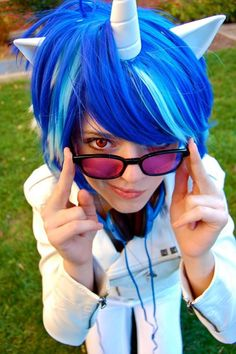 Vinyl Scratch cosplay(My Little Pony) Epic Cosplay, Amazing Cosplay, Cosplay Outfits, Anime Outfits, Cosplay Girls, Cosplay Costumes, Mlp, Little Pony Party, My Little Pony