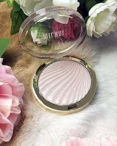 "Gefällt 244 Mal, 11 Kommentare - Lisa Song (@bubblycolor) auf Instagram: ""This @milanicosmetics highlighter is so pretty! ❤ . . . . . . . . #bbloggers #beauty #beautyblogger…"""