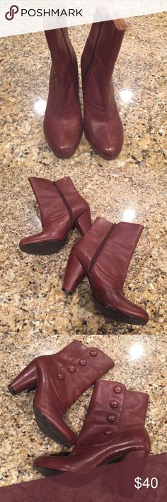 Adorable brown boots Cognac brown. Mid bootie. Inner zip. Very volatile size 10 Very volatile Shoes Heeled Boots