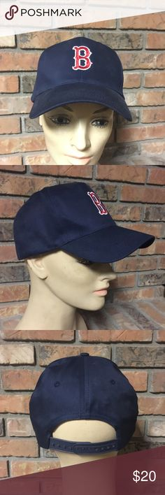 Vintage Boston Red Sox SnapBack Good condition. Please ask any questions, thanks! headtotoe Accessories Hats