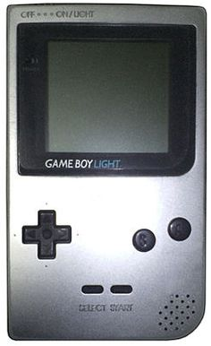 Game Boy Light - 5 Quinta generación- 1997