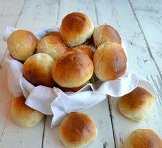 Panini al latte,panini adatti per le feste dei bambini,soffici e facili da realizzare