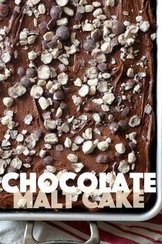 Bolo de malte de chocolate com cremoso Malt geada por Kayla