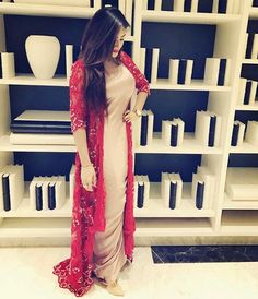 Individuals seek for: shrugs for clothes! Finthousands of handmade, old-fashioned, and special goods. Pakistani Dresses, Indian Dresses, Indian Outfits, Beautiful Suit, Beautiful Dresses, Eid Outfits, Fashion Outfits, Shrug For Dresses, Formal Dresses