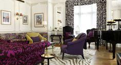 Grand Piano Suite, Claridge's, Londres. La suite Grand Piano del Claridge's fue diseñado por la belga Diane von Furstenberg, algo que se reconoce en los colores chocolate y malva del mobiliario. Cuenta con un gran piano, chimeneas de mármol, esculturas de cristal de Murano, un bar privado y fotografías tomadas por la propia diseñadora durante sus viajes.