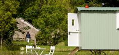 Peace and quiet at a Cornish shepherd's hut for two, in a wildflower meadow