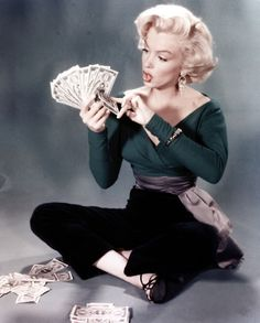 Marilyn Monroe...just discovers Money :0