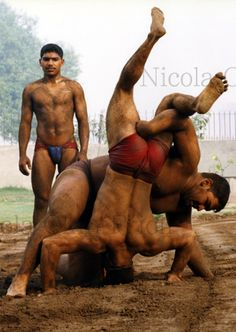 Yajo6 Gama Wrestlers 05 Colour Par Nicola Okin Frioli Men YogaIndiaHot