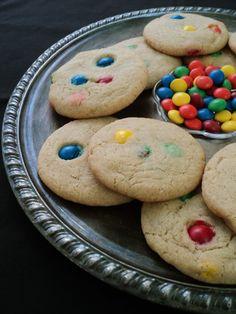 leaves & flours vegan m&m cookies