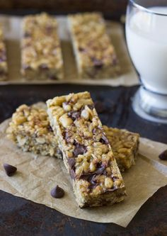 5 Ingredient No-Bake Protein Bars   less than 10 minutes to make, gluten-free, oil-free, and refined sugar-free!