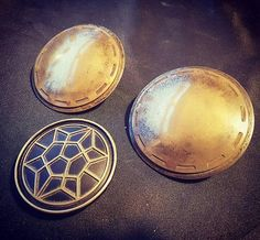 Disc Design based from Thor Ragnarok Parts, have been designed & high resolution printed on a Form 2 SLA printer and molded in polyurethane. The shoulder discs are cold cast in an aluminium/brass mixture with an M4 screw cast (Nut Included) into the rear center, polished and weathered Thor Cosplay, Printer, It Cast, Brass, Cold, Cosplay Ideas, Shoulder, Arrow, Nerdy