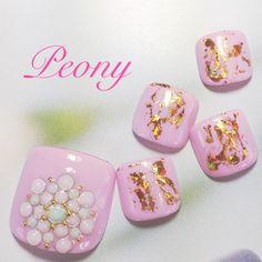 gel nail design*ピンク色フットにモロッコ風ビジューフラワー♡
