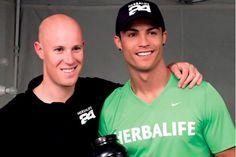 CR7 Cristiano Ronaldo parte del Team Herbalife y socio nutricional de Herbalife con el Dr. John Heiss