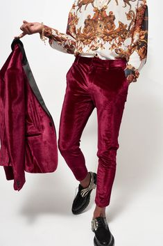 Red Velvet Suit, Red Suit, Trouser Suits, Trousers, Mode Outfits, Fashion Outfits, High Fashion, Mens Fashion, Vogue