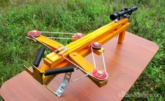 How to Make an Compound Crossbow Flipper Homemade Crossbow, Diy Crossbow, Compound Crossbow, Besta, Mechanical Power, Zombie Weapons, Recurve Bows, Bow Arrows, Slingshot