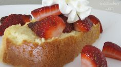 Pound Cake (Low Carb): So moist and sweet that it tastes like the real deal!